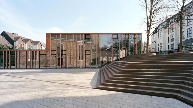 Gemeindezentrum und Stufenanlage